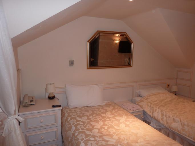 levné ubytování může mít i komfortní pokoje.jpg